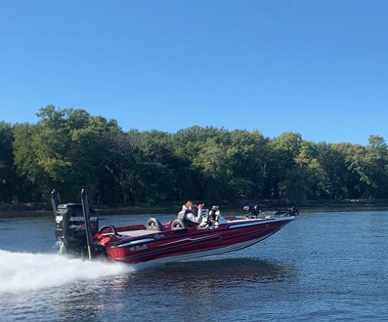 Andrew Behnke Rock Tamers Pro Angler on the water!